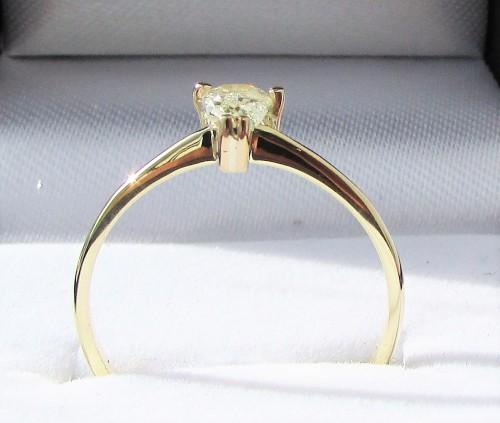Diamond Rings For Sale Durban: **BARGAIN BUY** FIERY PEAR CUT [0.400ct
