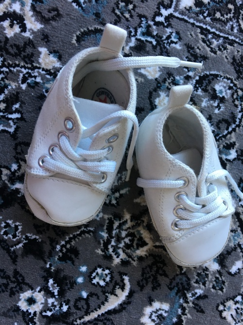 734ec65c38a1aa    Crazy Sale - Prices Reduced for 1 Week Only - Stunning Baby Converse  Takkie