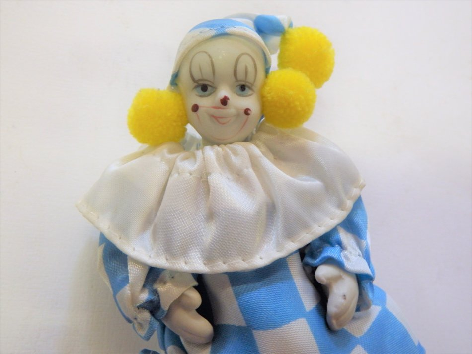 Unieke Antieke - Small vintage porcelain clown doll (Powered by