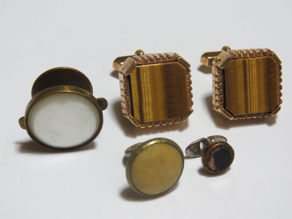 Pair of vintage tigers eye cufflinks with collar studs