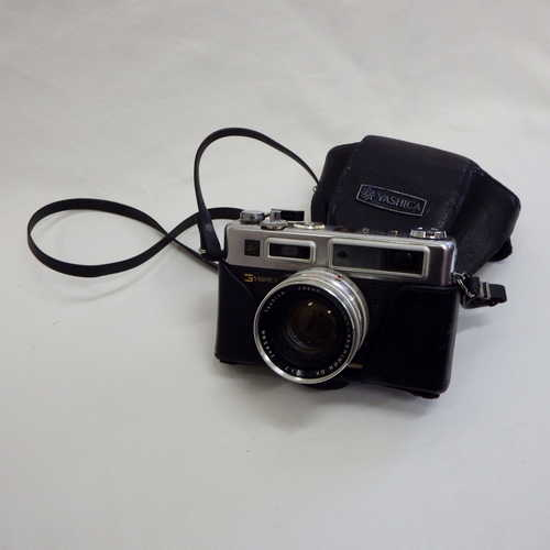 Yashica Electro 35 camera with fast 45 mm 1:1.7 lens