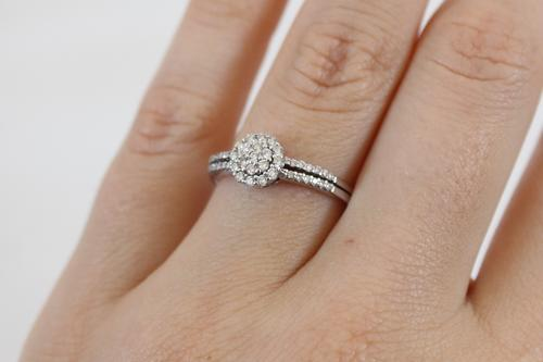 a104ec3b97a0 Bought at NWJ Jewellery Cape Gate (Cape Town) in August 2014. Includes  original Valuation Certificate and ring box. Would make a stunning engagement  ring or ...