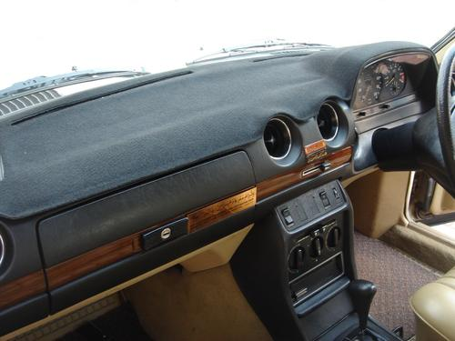 Dashboard cover for Mercedes-Benz W123 Series