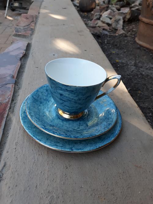 English Porcelain - VINTAGE 60'S 70'S ROYAL ALBERT