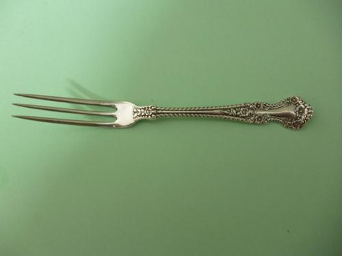 NEARLY NEW CONDITION GORHAM CAMBRIDGE STERLING SILVER STRAWBERRY FORK