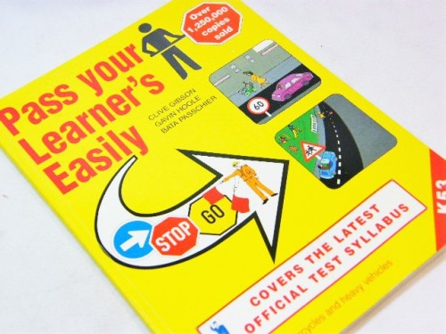 Pass your Learner's easily by Clive Gibson, Gavin Hoole, Bata Passchier
