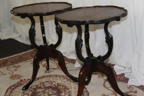 Tables two exquisite antique quotscroll legquot coffee for Antique scroll coffee table