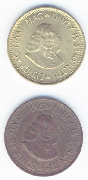 South Africa Pair of 1962 half cents in different colours