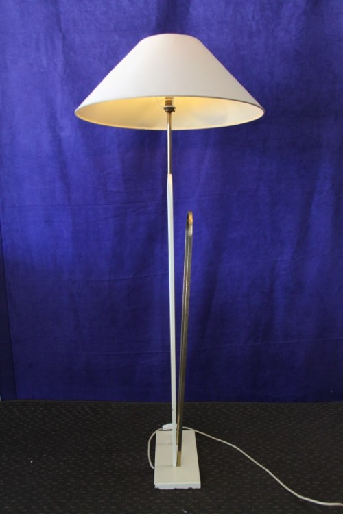 lamps lanterns a stunning retro floor lamp with a lovely large shade and foot switch in. Black Bedroom Furniture Sets. Home Design Ideas