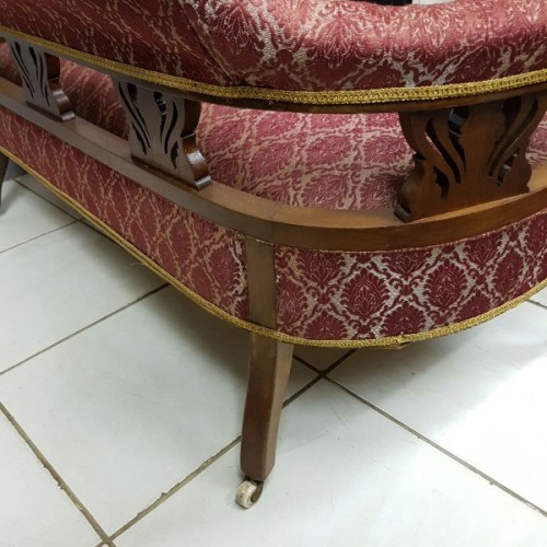Sofas A Magnificent Antique Victorian Carved Mahogany