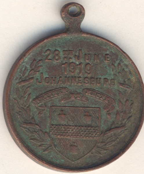Medallion to commemorate the conclusion of the Great war - Peace with honour  28th June 1919, JHB