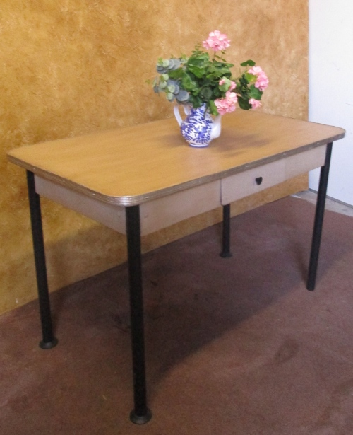 tables a lovley vintage 1960 39 s kitchen table with a drawer in the