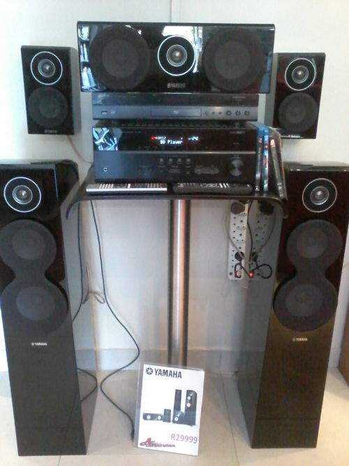 Home theatre systems yamaha surround sound ns700 was for Yamaha surround system review