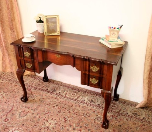 Desks An Exquisite Vintage Solid Imbuia Ball Amp Claw
