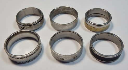 Lot of 6 mens rings - Mostly stainless steel - Different sizes