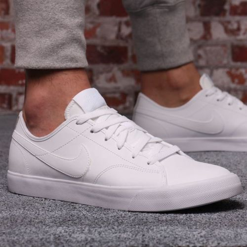 competitive price a1dcb 4f206 Get an on trend look with these Nike Court Royale Mens Trainers. These leather  Nike trainers benefit from a full front lace fastening and cushioned ankle  ...