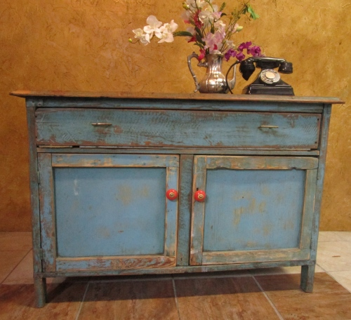 WOW A STANNING WEATHERD OLD SHABBY CHIC KITCHEN CUPBOARD