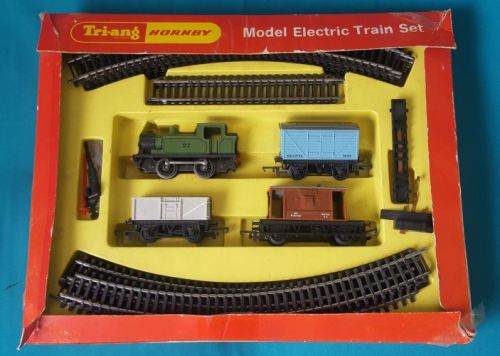 TRIANG HORNBY TRAIN SET IN BOX