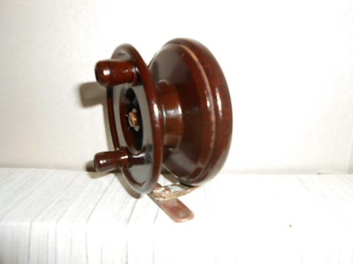 Other antiques collectables vintage mico bakelite for Center pin fishing