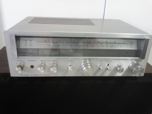 Vintage Sony FM / AM Stereo Receiver / Amplifier (Working)