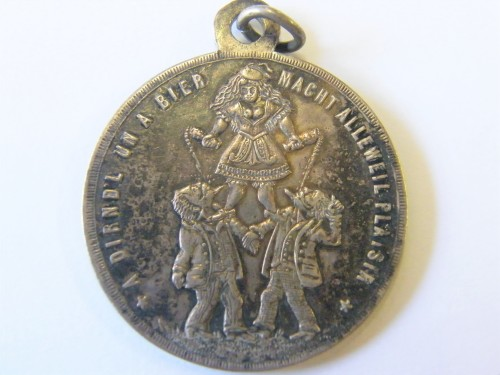 """German medallion - """"A Dirnk un a bier macht allewell plaisir"""" - Lovely!"""