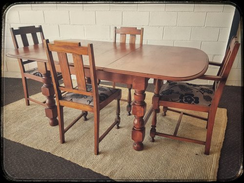 Tables An Amazing Vintage Solid Teak Extendable Dining Room Table With Four Upholstered Chairs Stunning Was Listed For R5 999 00 On 20 Apr At 14 16 By Lifespace Homeware In Gauteng Id 332457595