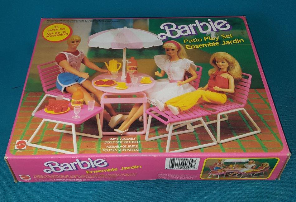 Vintage 1986 Barbie Patio Play Set In