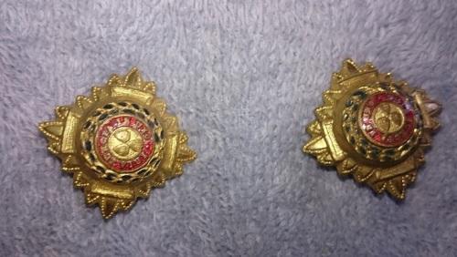 Various UK Military badges