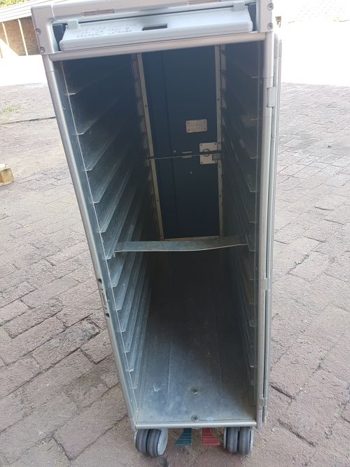 Flight - Used aircraft galley trolley was listed for R1,000 00 on 2