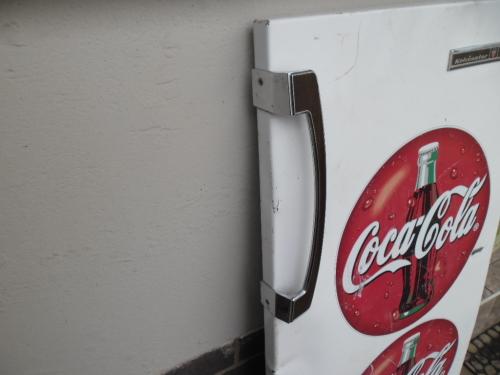Advertising - Vintage Kelvinator fridge metal door with coca cola