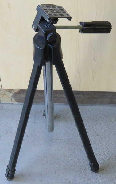 Vintage Bilora model 1113 S tripod - Height 55 cm long