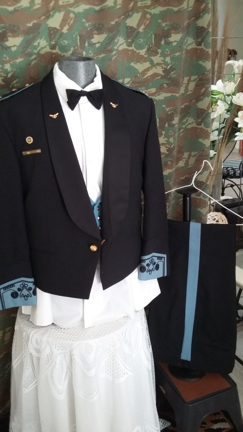 Perfect South AfricanAir Force Mess Dress As Per Pictures With Badges Ranks  and More