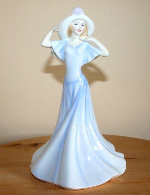 Beautiful Royal Doulton Figurine - HN3717 - Olivia