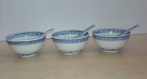 Set Of 3 Blue White Chinese Bowls With Spoons