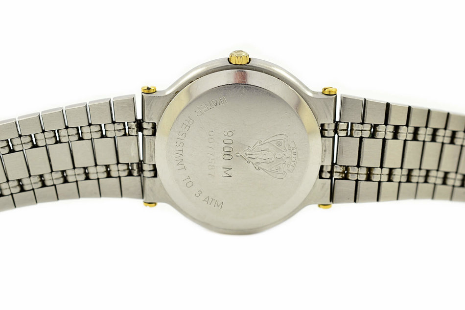 6368b786ac1 Rare   Collectible Watches - Vintage Gucci 9000M Stainless Steel Two ...