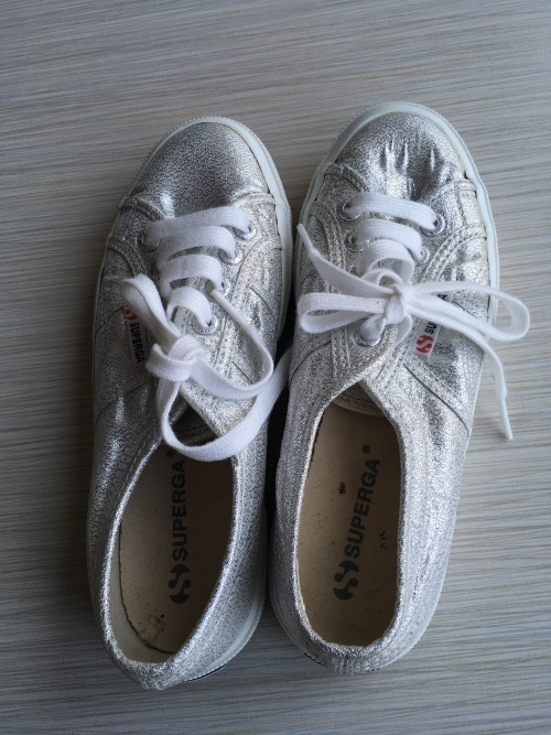 Sneakers - SUPERGA Classic SILVER Ladies Sneakers - Size 4 SA/UK was