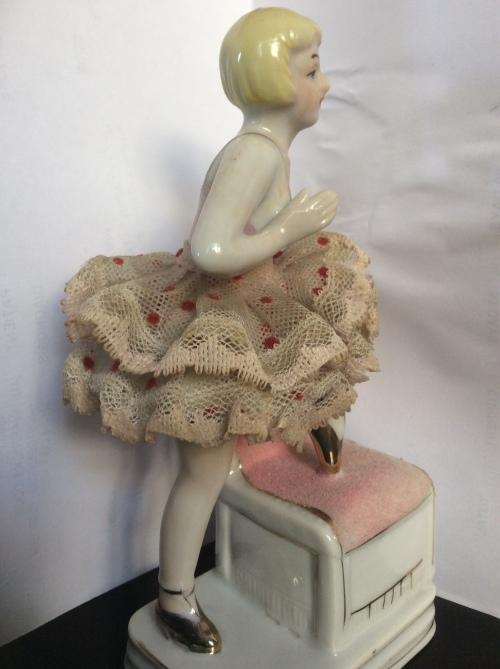 Porcelain ballerina  Vintage 1920¿s ?