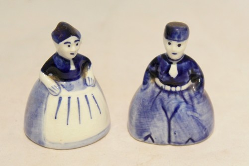 Delft style - Miniature Dutch man and woman in traditional dress -  Beautiful! - Bid Now!!!