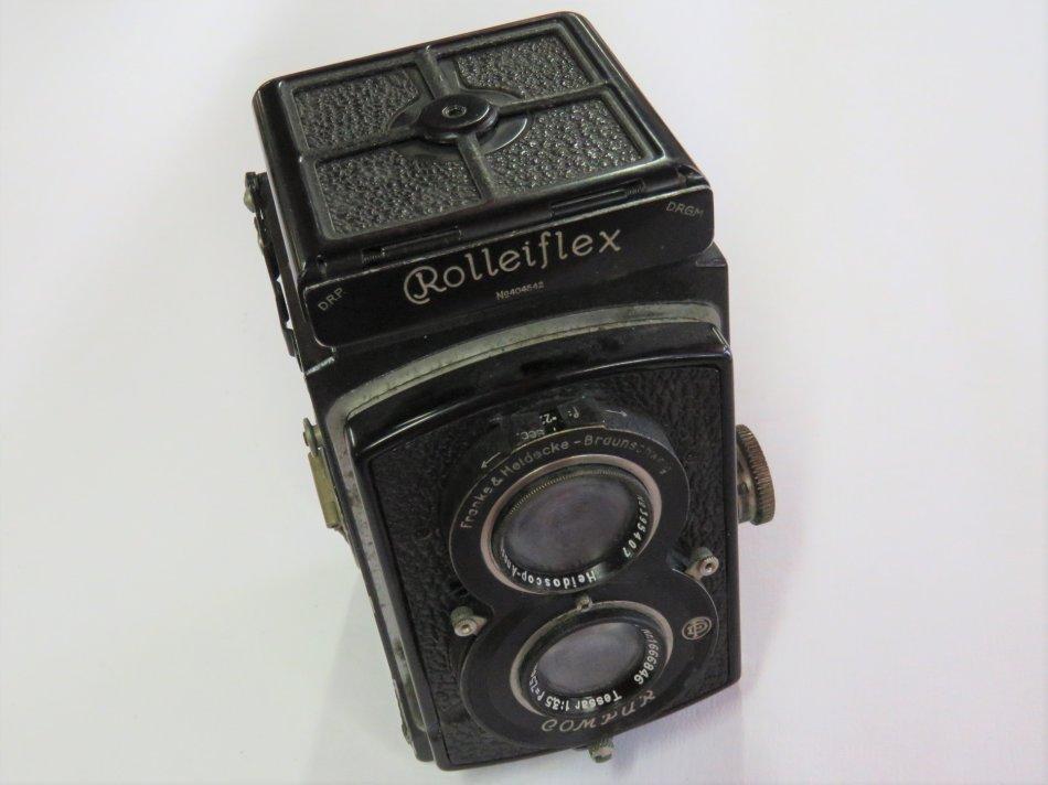 Rolleiflex Standard 3.5 (Model 622) film camera in leather case - Franke & Heidecke - Untested
