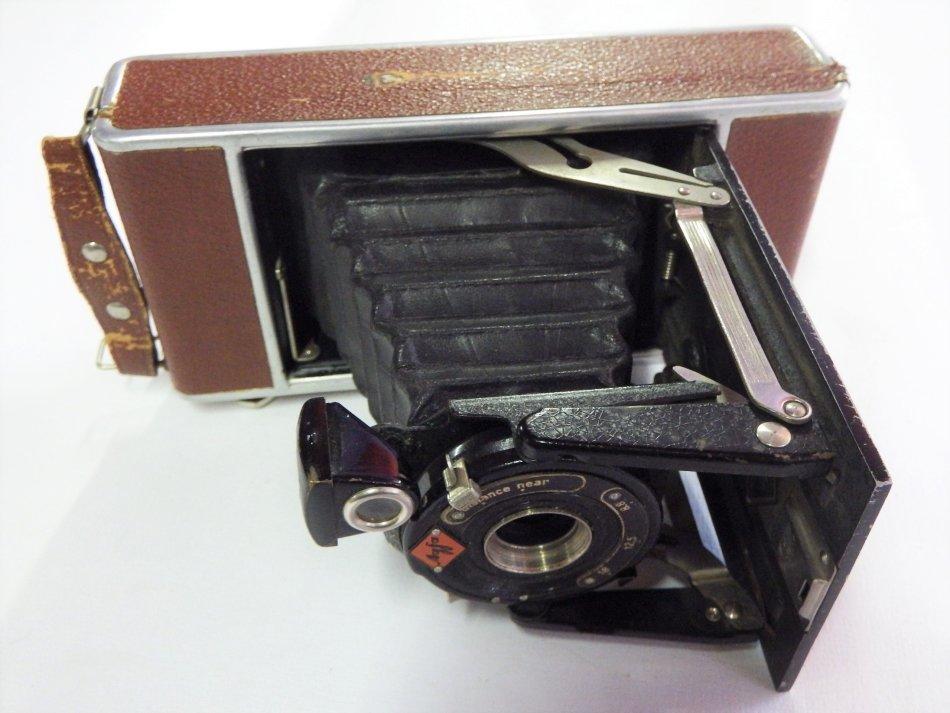 Vintage AFGA fold out camera with brown case - Front lens missing