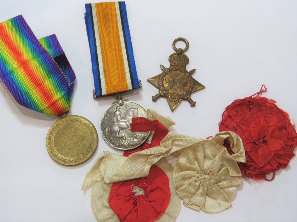 Set of 3 WW1 medal issued to 16781 Pte. J.W. Garland of East Lancashire regiment