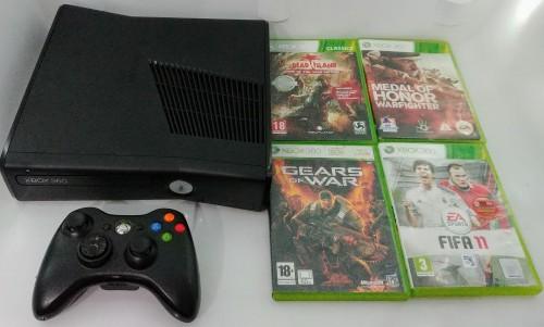 Xbox 360 Slim 250GB Bundle + 4 Games