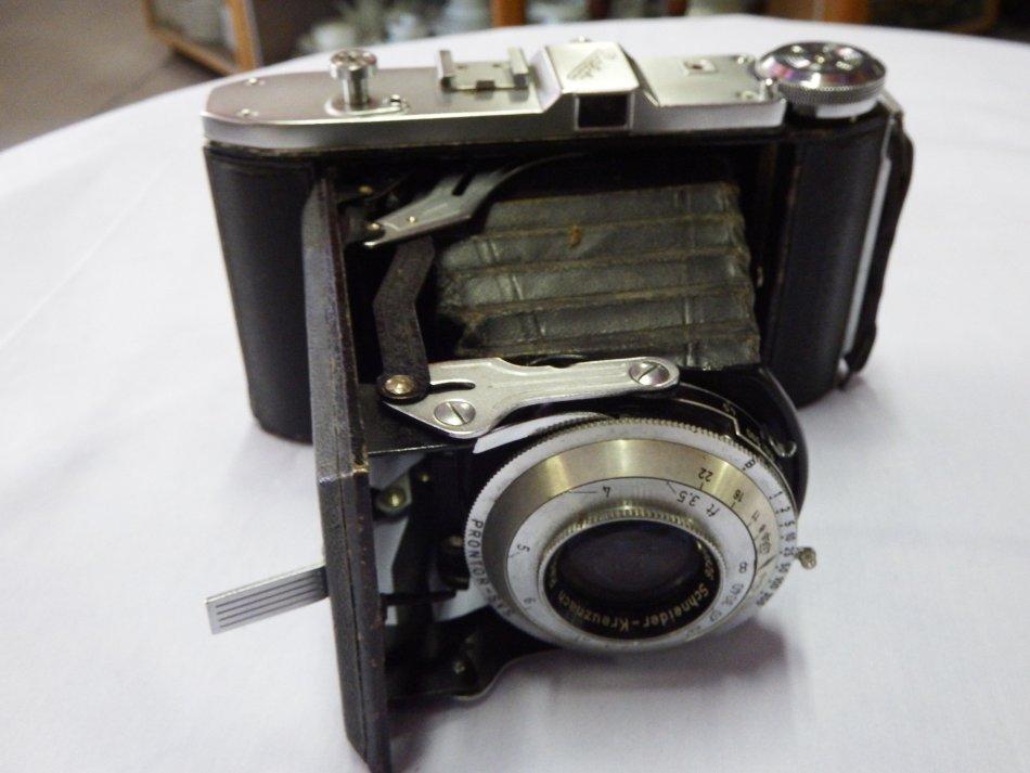 Vintage Balda Baldalux fold out camera with Schneider Radiona 1:4.5/105