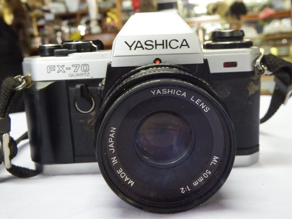 Vintage Yashica FX-70 35mm camera with Yashica 1:2 50mm lens - Not triggering