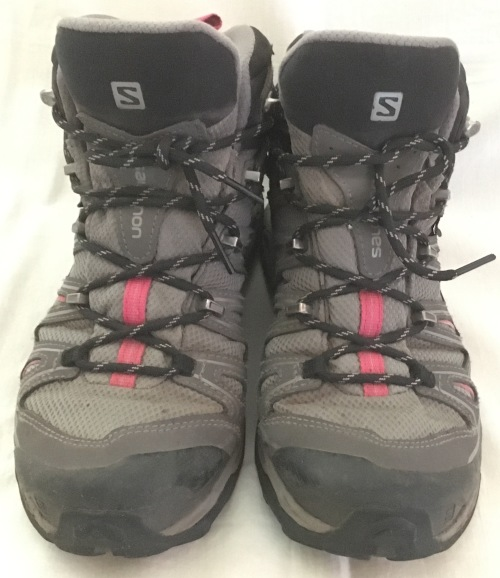Boots - Salomons Size 8 Womens Hiking Boots Great Condition FREE ... 097f478ae