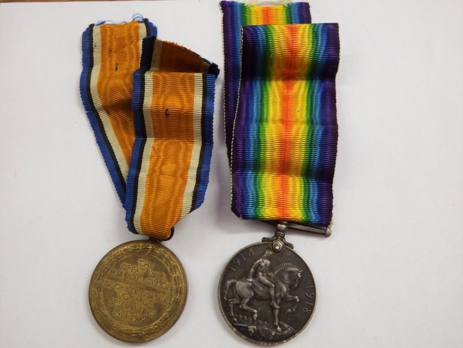 Set of WW1 medals issued to PTE J Isaacs of the 1st CC